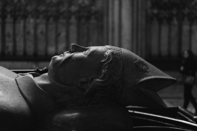 cologne-cathedral-sleeping-bishop