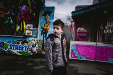 funfair-cologne-2016-boy-in-front-of-lucky-luke