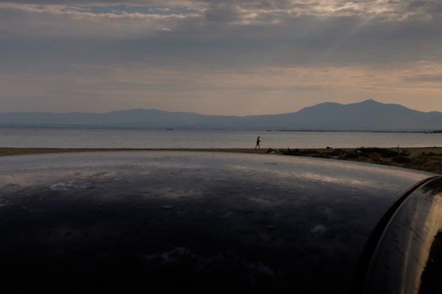 travel-greece-neiepivates-waiting-for-ferryboat-I