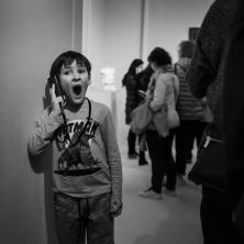 paris-museum-visitors-4616X