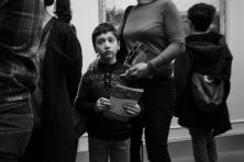 paris-museum-visitors-4624X
