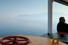 navidsonstreets-ferry-alexandroupolis-fuji-x100f-classicchrome-8947