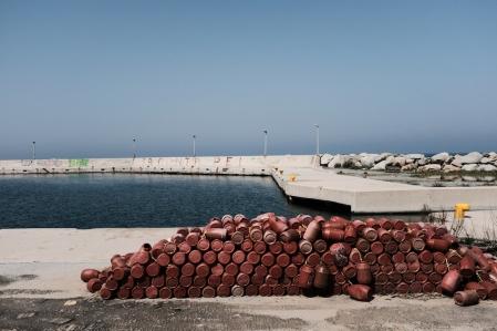 navidsonstreets-samothraki-spring-therma-port-beach-fuji-x100f-classicchrome-9073