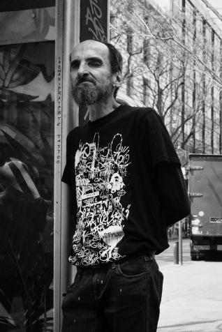 navidsonstreets-streetphotography-athens-omonia-dostojewski-07145