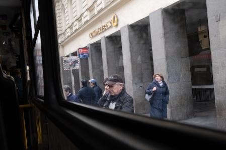 wassiliosnikitakis-street-photography-prague-tram-1695CX Kopie